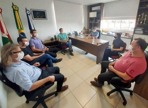 Prefeituras de Guarujá do Sul e Princesa debatem sobre asfaltamento de estradas do interior