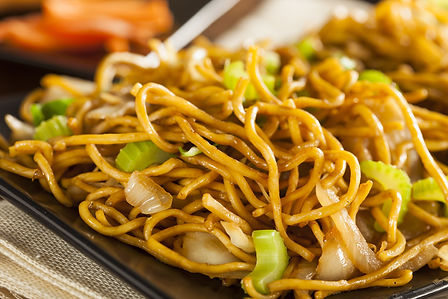 Asian Chow Mein Noodles with Vegetables
