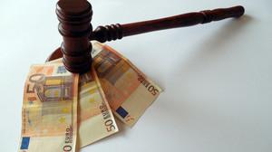 Ograničenja izvršenja na plati, penziji, i drugim stalnim primanjima izvršnog dužnika