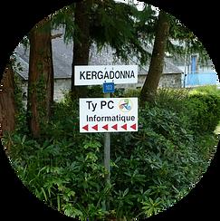 Logo Panneau sur la route Kerga.png