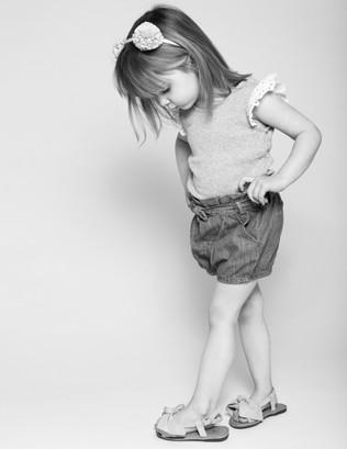 kidsphotography-portrait-photoshoot=blackandwhitephotography-newjersey-studiophotography-daisyrey