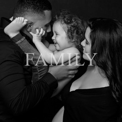 family portrait-new jersey-photographer-maternity-black and white-nyc
