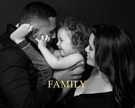 Family portrait in black and white by Daisy Rey
