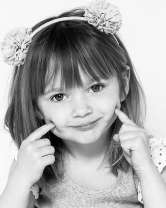 blackandwhite-portrait-kidsphotography-studio-daisyrey-newjersey