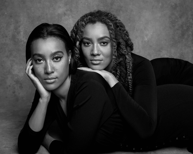 twins-portrait-photoshoot-black and white-nyc