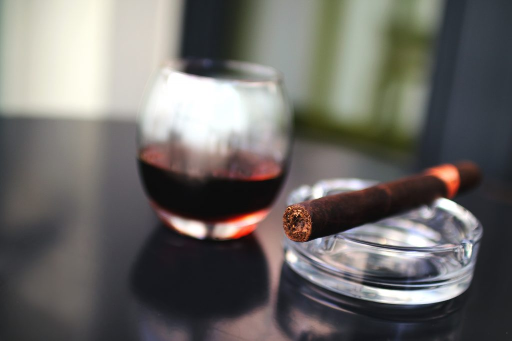 Port_and_cigar