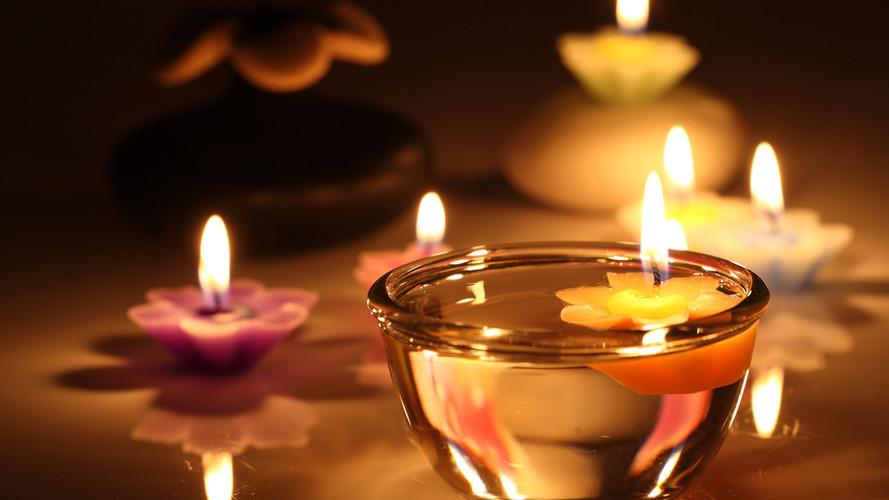 Romantic-candles.jpg
