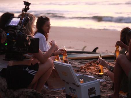 """Elas fazem a websérie delas! Corona conta a história do Maré Alta em série """"Free Range Humans"""""""