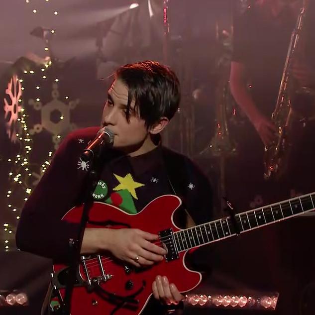 Elliot Maginot - Ain't Christmas Enough