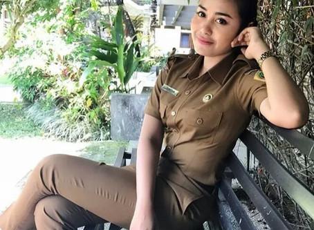 Lagi Viral nih PNS Cantik dan Aduhai asal Bali, Intip yuk Potretnya !