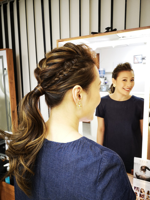 braid hairstyling