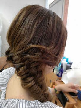fishtail hairstyling