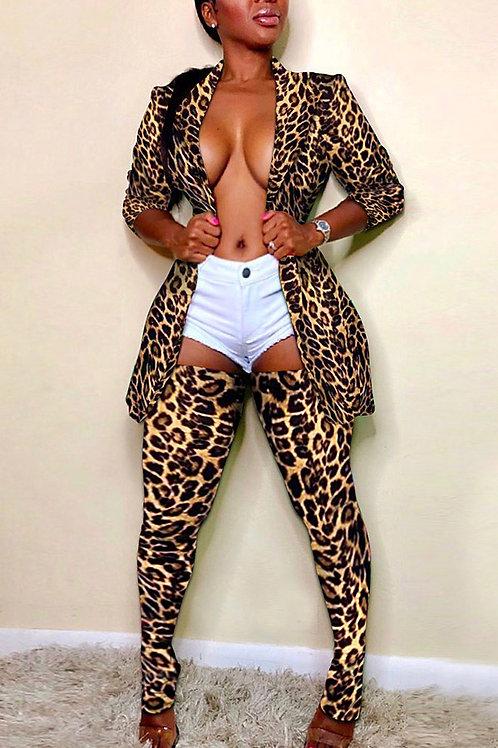 Two piece cheetah set