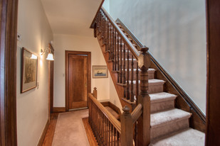 Upstairs hallway - DSC_0090.jpeg