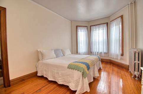 bedroom 1 - DSC_0077.jpeg