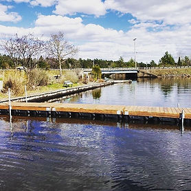 Look at that beautiful new dock built fr