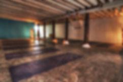 La Salle de cours de Maison du Yoga by Deepti