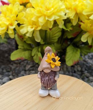 sunflower gnome.jpg