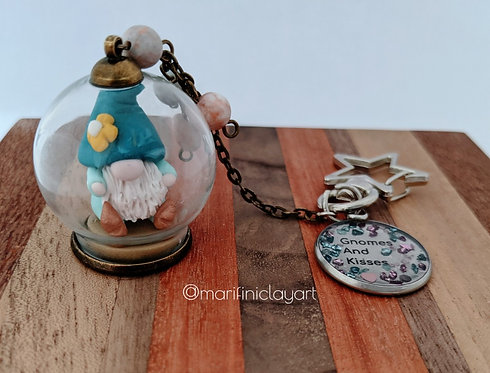 Flower Hat - Blue shades Gnome Bubble Keychain