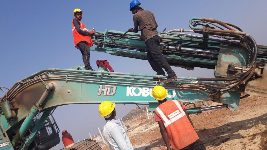 Sd Infra team Piling rig
