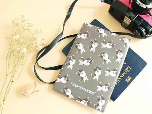 Momo Border Collie Passport Holder