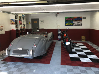 Splendide garage classique Polydal by Precious Cars
