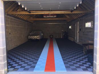 Garage pour voitures de collection