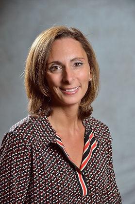Lisa Professional Profile Pic.jpg