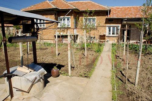 Обзаведена Къща за Продажба в село Масларево