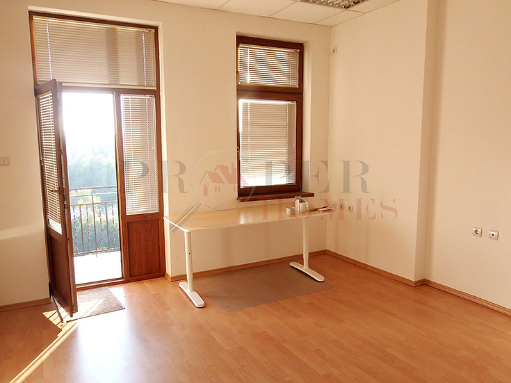 Sunny Office for Rent in the Town Centre of Veliko Tarnovo