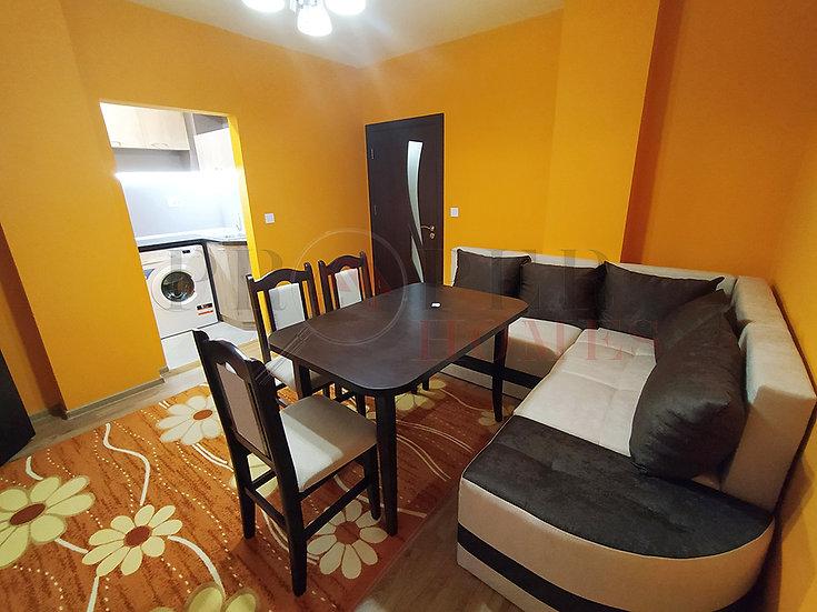 Реновиран Тристаен Апартамент в ж.к. Колю Фичето