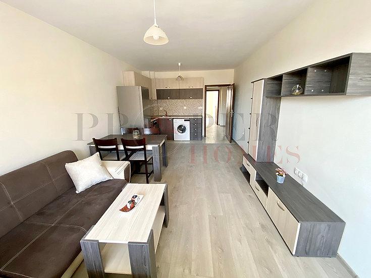 Новообзаведен Тристаен Апартамент за продажба в ж.к. Картала
