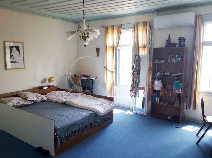 Етаж от къща с две спални под наем, гр. Велико Търново