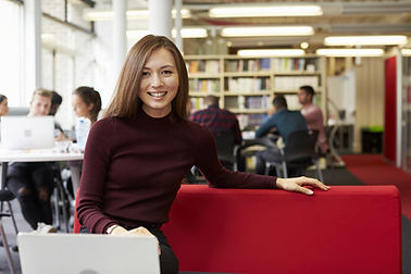Online MBA HK Student in the Library