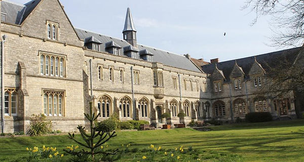 University-of-Chichester-Guide-1.jpg