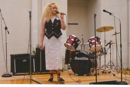 Singing 3.jpg