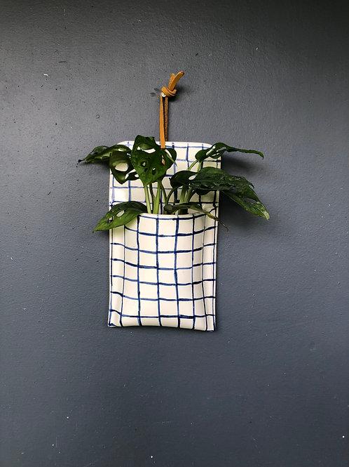 Bolsillo rectangular en ceramica pintada a mano