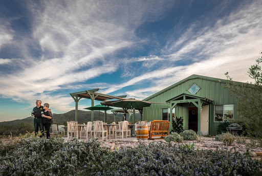 SIERRA ROBLE WINERY & VINEYARD