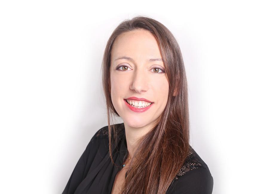 Claire Osborne Profile_edit.png