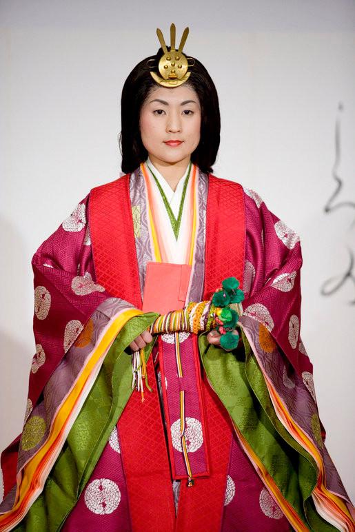 JUNIHITOE vêtement japoanis de l'époque HEIAN