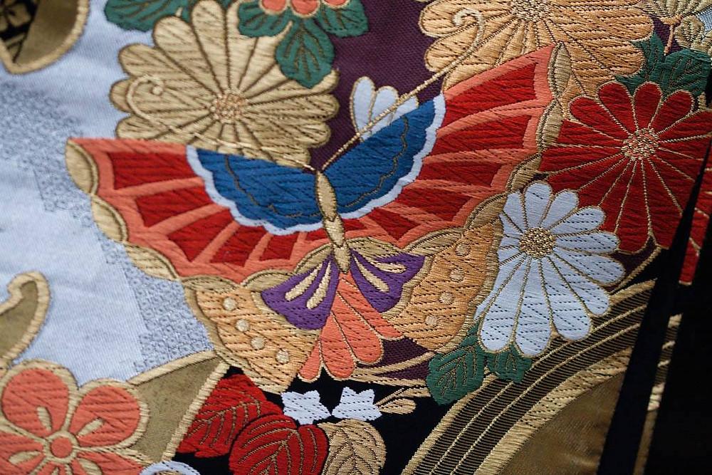 Kocho motif japonais de papillon aux ailes déployées et vu d'en haut