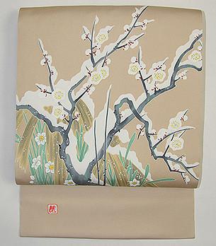 Yuki-mochi-ume motif  japonais de fleurs de prunier sous la neige