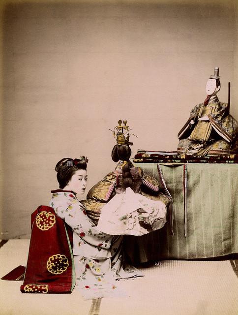 poupées japoanises kyoho-bina pour la fête des petites filles au Japon