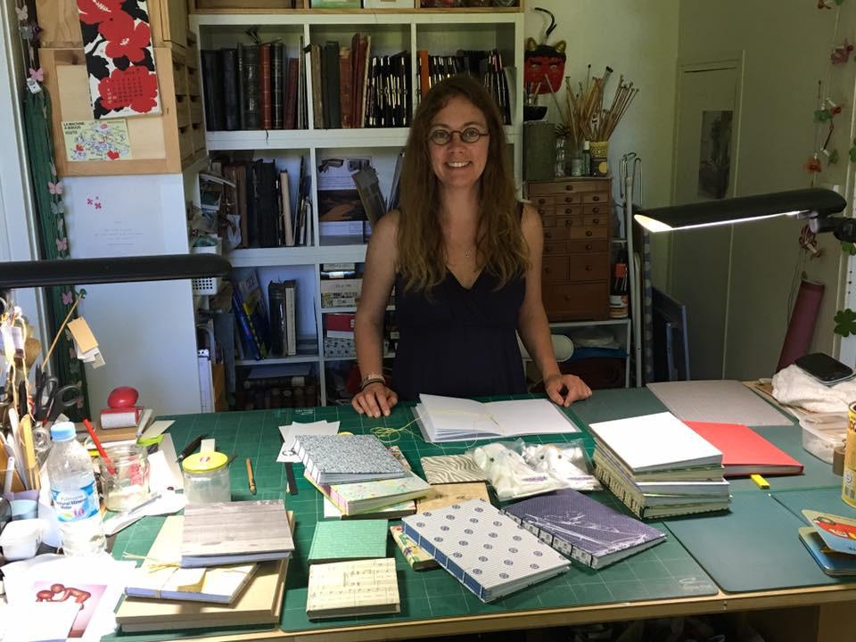 Isa Aucouturier dans son atelier