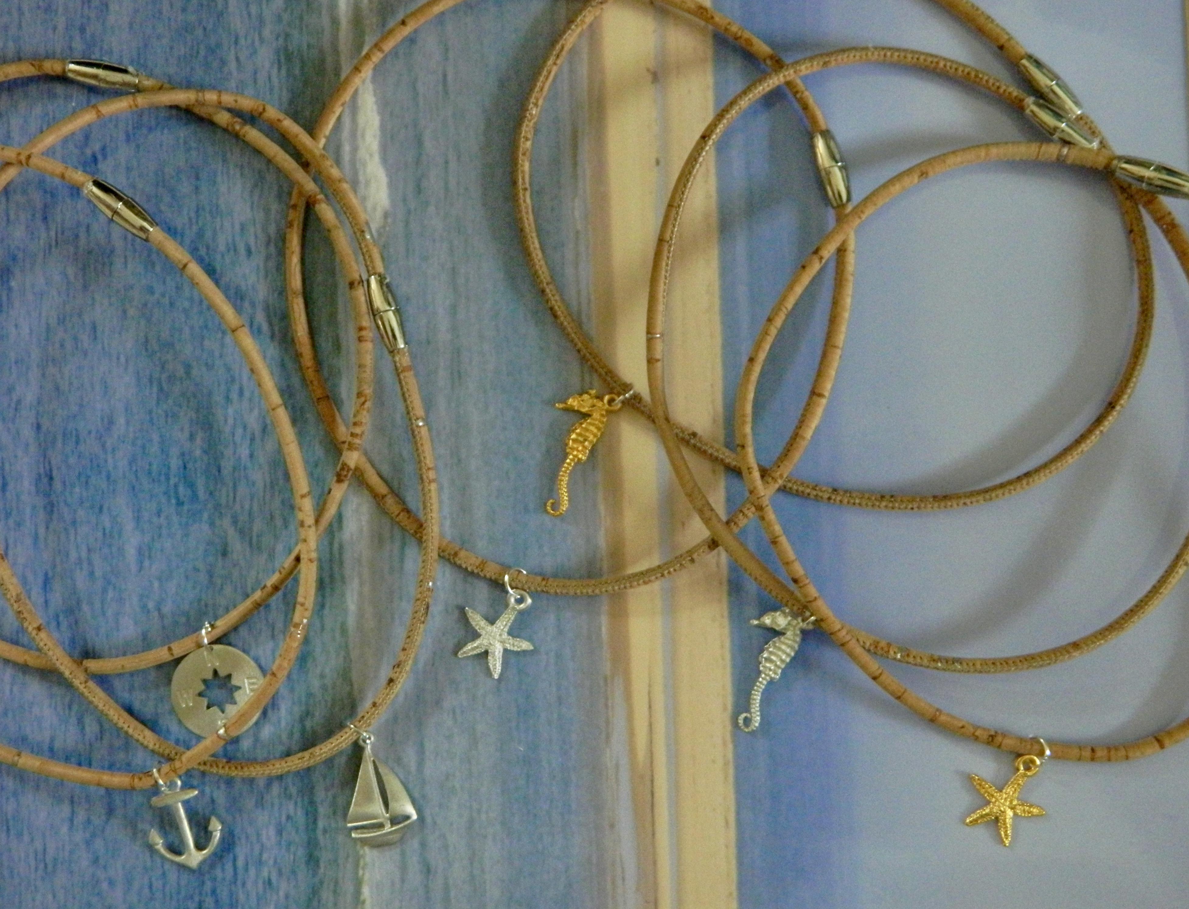 Children's necklace cork CNC