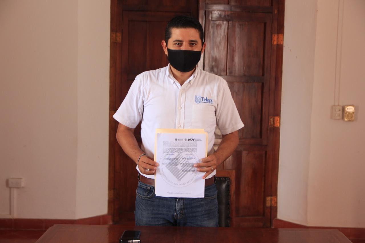P. Municipal - Diego Avila 1.jpg