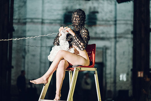 Olek-Crocheting-Art-Performanc-eMuseum-o