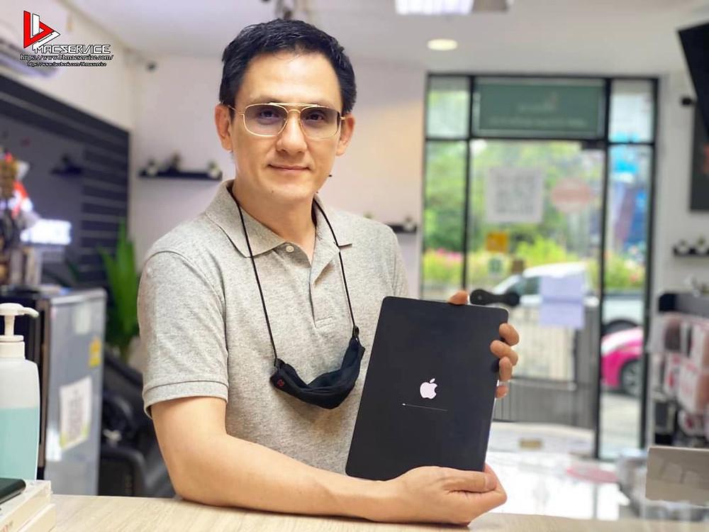 iPad Pro 10.5 อาการค้างโลโก้
