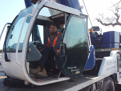 How to become a mobile crane operator