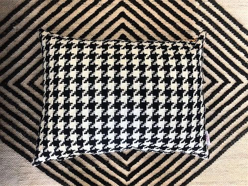 Pepita cushion